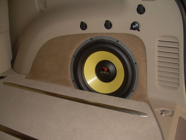 Jeep Cherokee Custom Subwoofer on Jeep Grand Cherokee Subwoofer Box